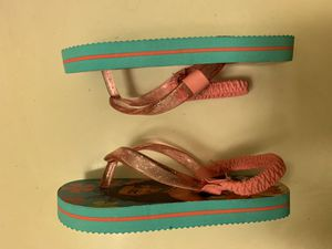 Toddler girls - New - Moana Sandals - size 5/6 for Sale in San Diego, CA