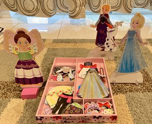 Girl dress up boards with Elsa and Anna too! for Sale in Boca Raton, FL