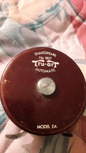 Shakespeare no 1827 fly fishing reel for Sale in Fresno, CA