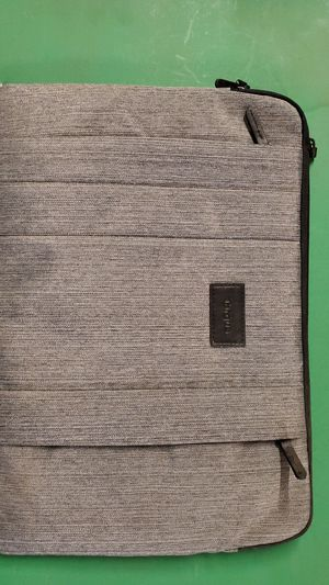 New Targus laptop notebook carrying case up to 17 inch for Sale in Carlsbad, CA