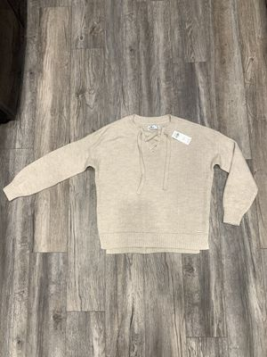 Brand New Women's Hollister Sweater Size XS for Sale in Long Beach, CA