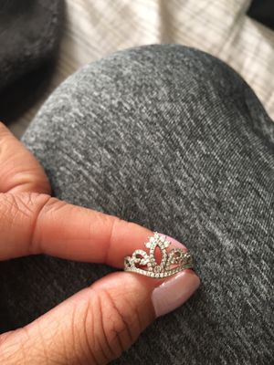 Size 4 crown ring sterling silver crystal for Sale in Elk Grove, CA