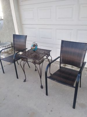 Patio table and chairs furniture for Sale in Perris, CA