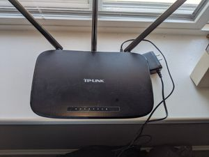 TP-LINK wireless router for Sale in Chicago, IL