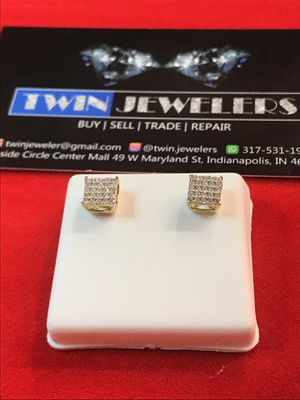 10Kt Yellow Gold Diamond ear rings low price for Sale in Indianapolis, IN
