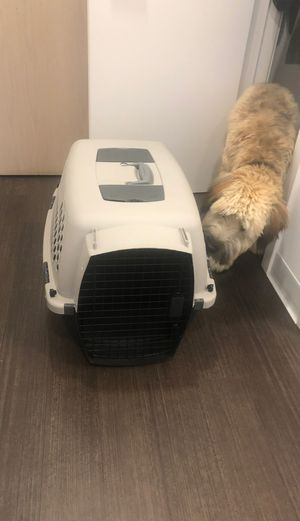 Dog travel crate for Sale in Chicago, IL