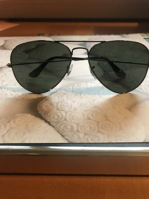 Ray-Ban RB3025 Aviator for Sale in Forest Park, GA