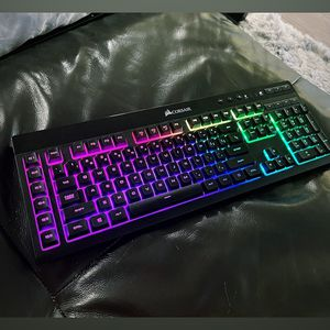 CORSAIR K57 RGB Wireless Gaming Keyboard - <1ms response time with Slipstream Wireless GREAT CONDITION LIKE NEW for Sale in Los Angeles, CA