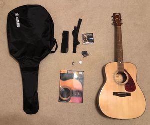 Acoustic Guitar for Sale in Newport News, VA