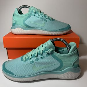 NEW WOMENS NIKE FREE RUN SIZE 7.5 women's shoes new for Sale in Buena Park, CA