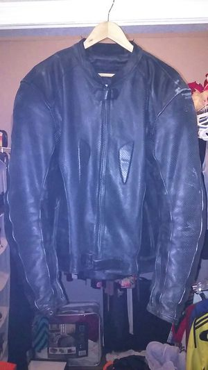 Motorcycle protective leather jacket for Sale in Lockhart, FL