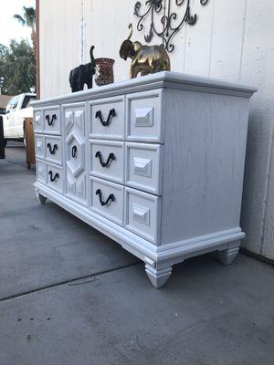 Dresser good condition for Sale in Phoenix, AZ