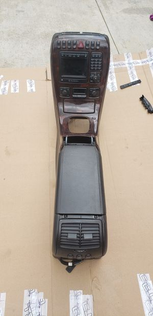 Mercedes CL500 center console for Sale in Los Angeles, CA