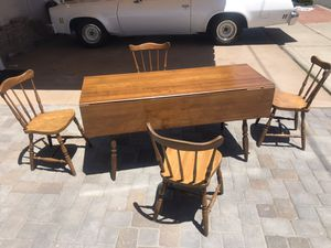 Five piece kitchen table set dining room table Clairemont Mesa for Sale in San Diego, CA