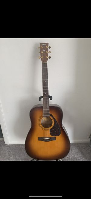 Yamaha Acoustic guitar with stand for Sale in Phoenix, AZ