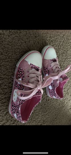 Hello kitty canvas shoes size 1 girls for Sale in Virginia Beach,  VA