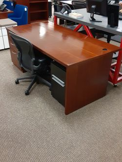 Office Desk for Sale in Tigard,  OR