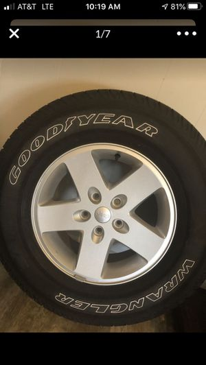 Jeep Wrangler 2018 wheels and tires for Sale in Houston, TX