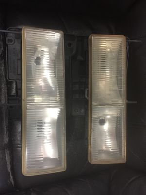*B *B LF RF composite headlamps 1990-98 Chevrolet / GMC This part is compatible with 112 vehicle(s). Up FOR SALE OR TRADE. GENUINE OEM FACTORY is for Sale in Miami, FL