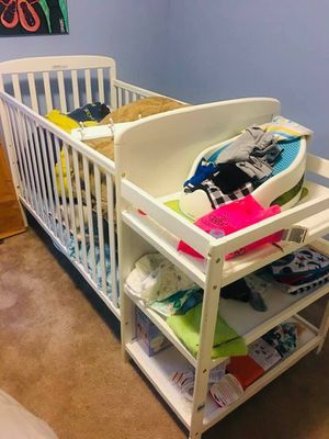 Crib w/ changing table for Sale in Obetz, OH