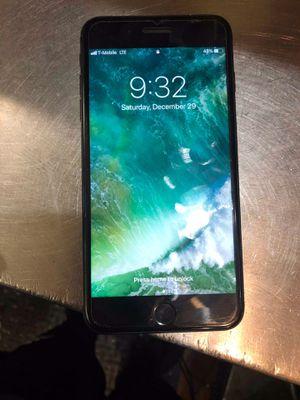 iphone 7 plus black 32 GB unlocked for Sale in Detroit, MI