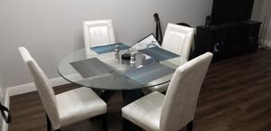 Glass Dining Table with 4 chairs for Sale in Pembroke Pines, FL