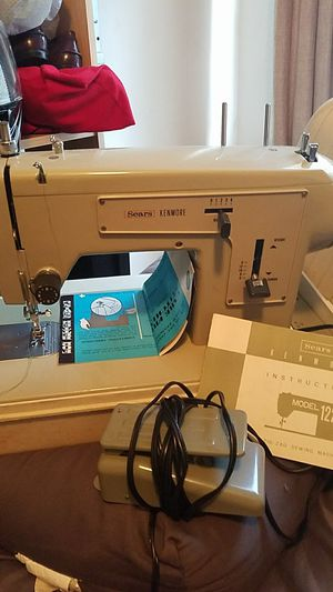 Sears Kenmore sewing Machine for Sale in Philadelphia, PA