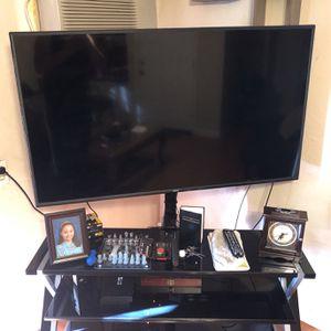 Vizio 55 Inch 4K Smart Tv With Entertainment Stand for Sale in Orlando, FL