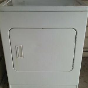 Dryer ROPER by Whirlpool for Sale in San Antonio, TX