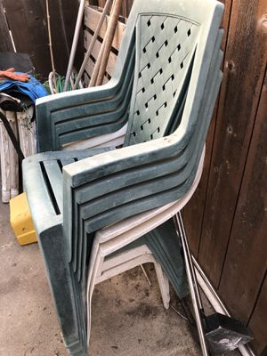 6 free lawn chairs for Sale in San Diego, CA