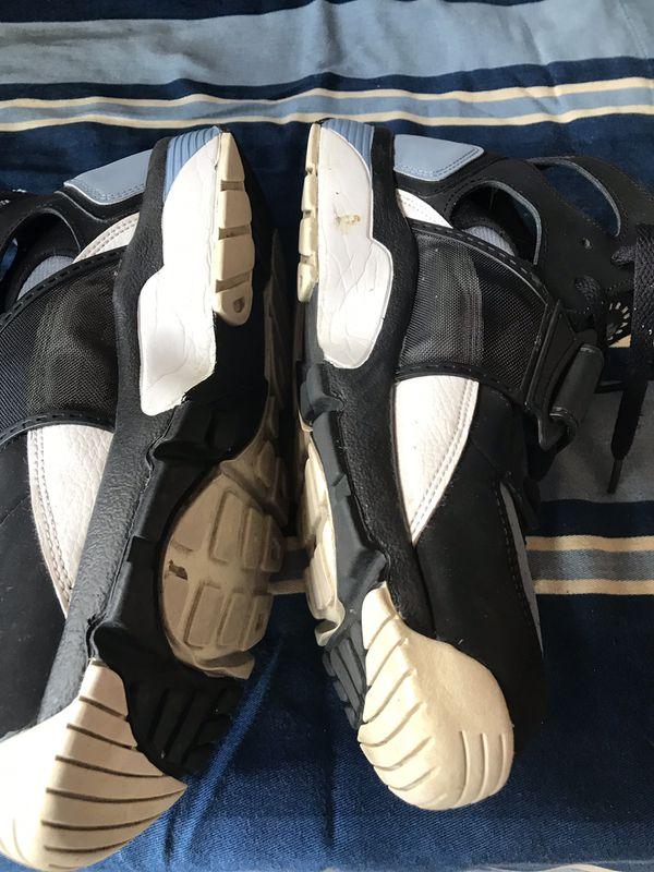 Nike Huraches Tennis. Size 9 Men's