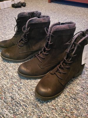 Womens Boots ( 7.5 ) for Sale in Columbus, OH
