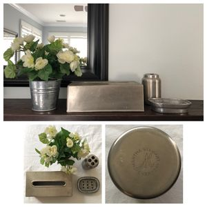 4 pc bathroom decor set - tissue box + soap dish + toothbrush + flower pot for Sale in Irvine, CA
