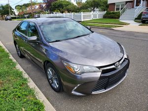 2016 toyota camry se grey 45k low miles clean title almost new for Sale in Valley Stream, NY