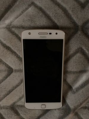 Moro z droid 32 gb 5.5 inch screen for Sale in Independence, KS