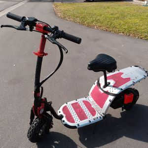 scooter like new 63.cc very fast 50mile with new Motor for Sale in Tampa, FL