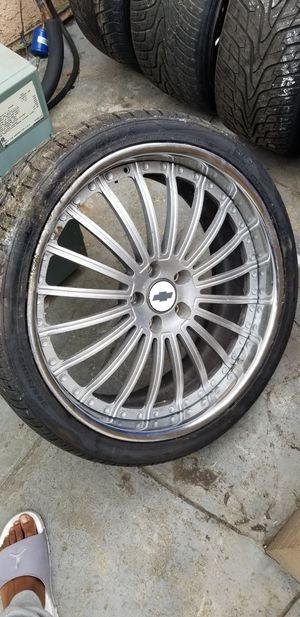 I have for sell 2 sets of 5 lug 22s and 1 set of 5 lug 24s...hit me for more info for Sale in Pomona, CA