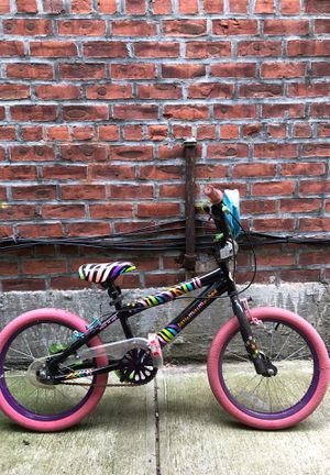 Girls bike 6 and up years old for Sale in Queens, NY