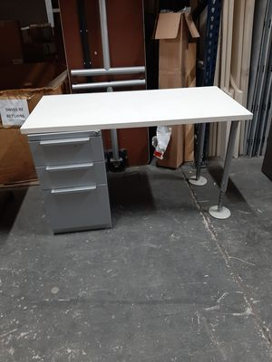 Kids Desk for Sale in Pompano Beach, FL