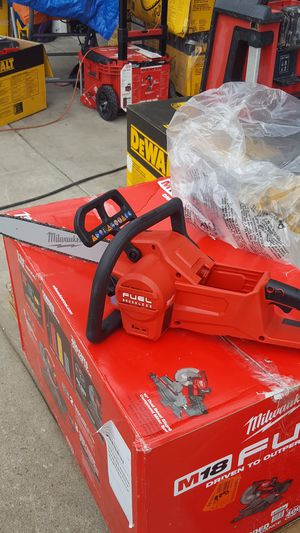 Milwaukee M18 fuel model number 2727 - 21 HD 16 in chainsaw box number M1 tools only for Sale in Covina, CA