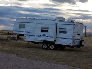Dutchmen Camper Fifth Wheel for Sale in Richmond, TX