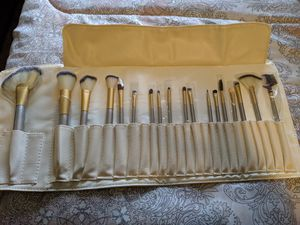 Makeup brushes bag for Sale in Woodlake, CA