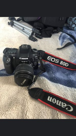 Canon EOS 80D for Sale in Anaheim, CA