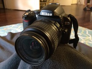 Nikon D40 6.1MP Digital SLR Camera kit with 2 zoom lens also 18-55mm lens, 55-200mm lens, camera battery. for Sale in Ruskin, FL
