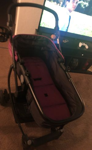 A baby stroller missing the straps for Sale in Winter Haven, FL