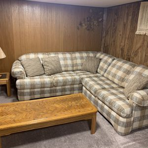Sectional Couch , Coffe Tables, Lamp for Sale in Portland, OR