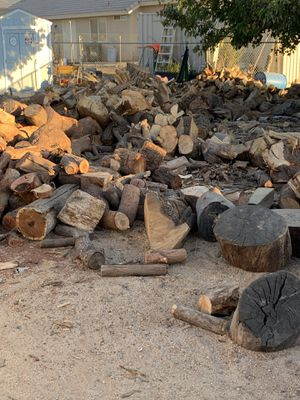 Great firewood, eucalyptus,cedar and pine $275 free local delivery for Sale in Apple Valley, CA