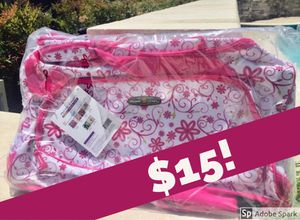 Pacific Coast Deluxe Sport Duffle Bag -STILL AVAILABLE!! (7/2) for Sale in Etiwanda, CA