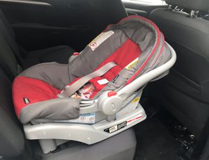 Graco Car seat with Base for Sale in New York, NY