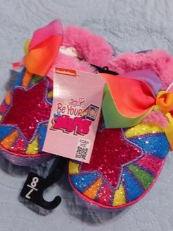 NWT Girls Slippers for Sale in Waterbury,  CT